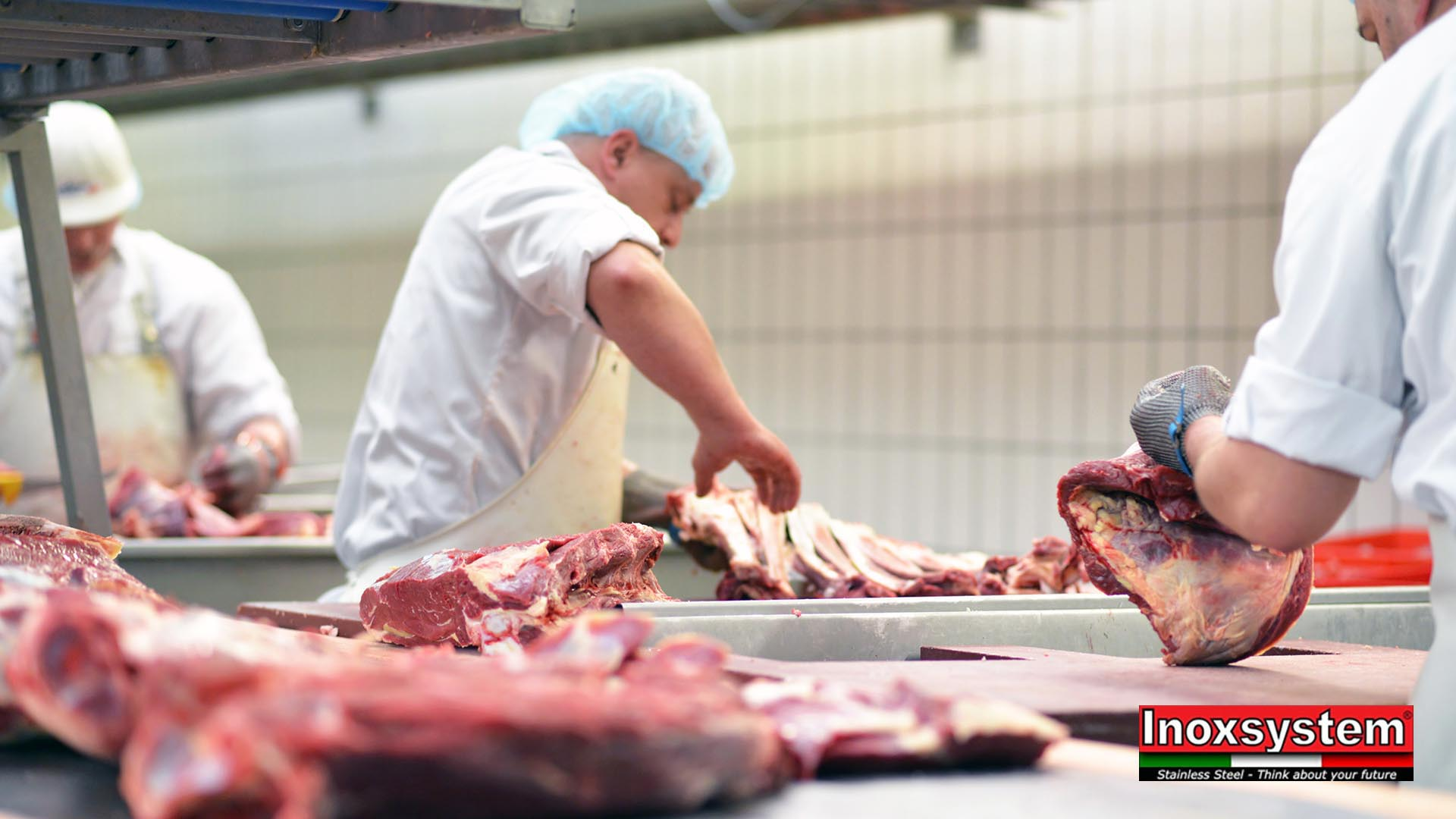 Macelli e pericoli alimentari: i sistemi di drenaggio per l'industria della carne