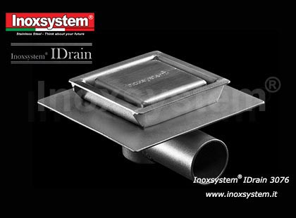 Inoxsystem® IDrain Line 3076 – Floor drain with horizontal outlet, satin finish cover and perimeter slot, with odor trap and filter and waterproof membrane holder